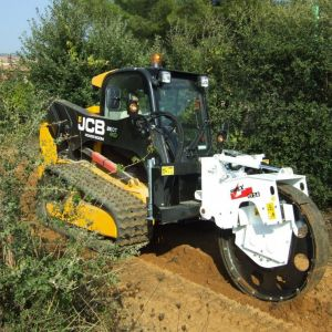 APPLICATION SPOTLIGHT – TRENCH COMPACTION.